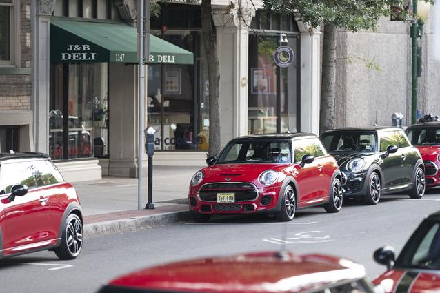 2016 MINI JOHN COOPER WORKS HARDTOP AMERICAS PRESS DRIVE