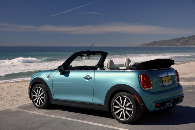 MINI CONVERTIBLE INTERNATIONAL PRESS LAUNCH