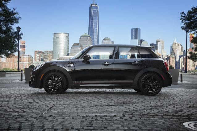MINI Carbon Edition (December 2015)