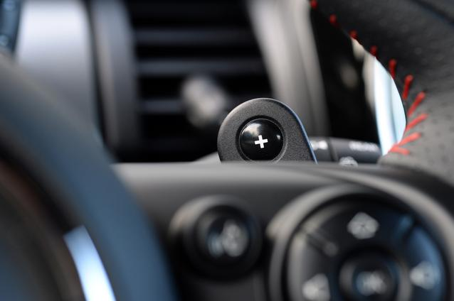 2014 MINI Cooper S (02/2014)