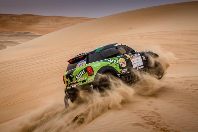 2016 Abu Dhabi Desert Challenge, Yazeed Al Rajhi (KSA), Timo Gottschalk (GER) - MINI ALL4 Racing #204 - X-raid Team - 05.04.2016