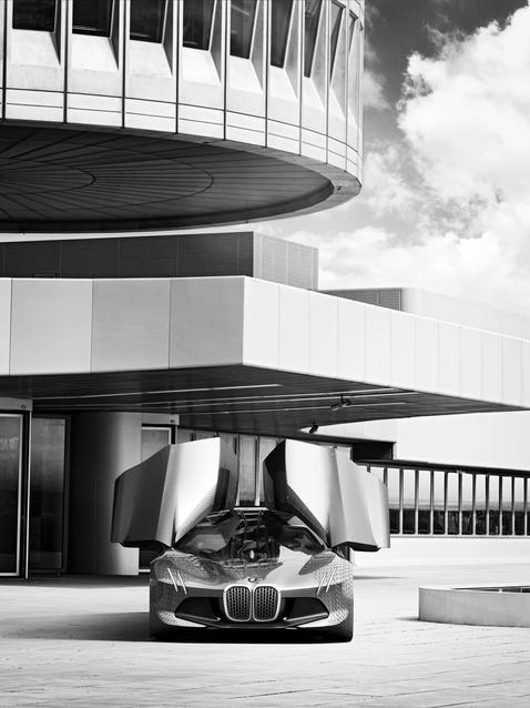 BMW VISION NEXT 100 (05/2016)