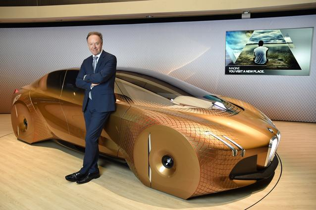 BMW VISION NEXT 100, Ian Robertson, Member of the Board of Management of BMW AG, Sales and Marketing BMW, Sales Channels BMW Group (06/2016)