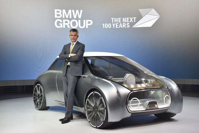 MINI VISION NEXT 100, Peter Schwarzenbauer, Member of the Board of Management of BMW AG, MINI, Motorrad, Rolls-Royce, Aftersales (06/2016)