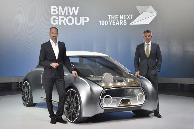 MINI VISION NEXT 100, (l-r:) Anders Warming, BMW Group, Head of Design Studio MINI; Peter Schwarzenbauer, Member of the Board of Management of BMW AG, MINI, Motorrad, Rolls-Royce, Aftersales (06/2016)