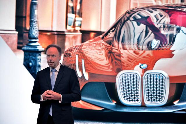 "BMW GROUP THE NEXT 100 YEARS. ""Iconic Impulses. The BMW Group Future Experience"". World Premiere of the MINI VISION NEXT 100 and the Rolls-Royce VISION NEXT 100. Press Conference 16 June 2016, London, Roundhouse. Ian Robertson, Member of the Board of Management of BMW AG, Sales and Marketing BMW, Sales Channels BMW Group (06 / 2016)"