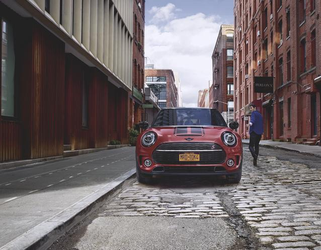 The new MINI Clubman with MINI Original Accessories.