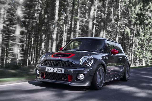The MINI John Cooper Works GP (2012) (06/2019). Fuel consumption combined: 7.1 l/100 km; CO2 emissions combined: 165 g/km.