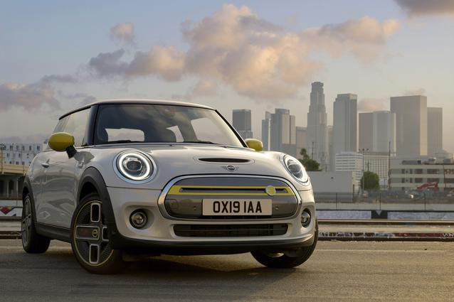 The new MINI Cooper SE (07/19).