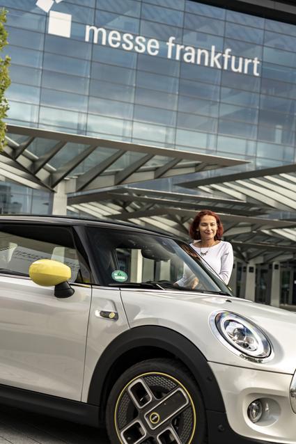 The new MINI Cooper SE: premiere run to the IAA Cars 2019.